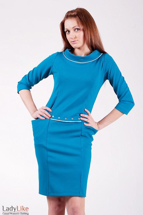 Оригинальное трикотажное платье.  Облегающий покрой.