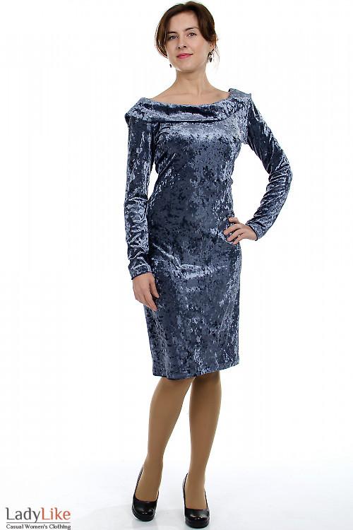 2. Вечернее серое платье.  Облегающий крой вигодно подчеркивает фигуру.