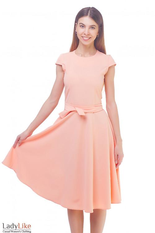 Платье персиковое пышное с рукавчиком Деловая женская одежда
