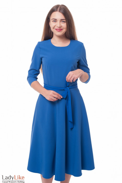 Платье пышное с поясом ярко-синее Деловая женская одежда фото