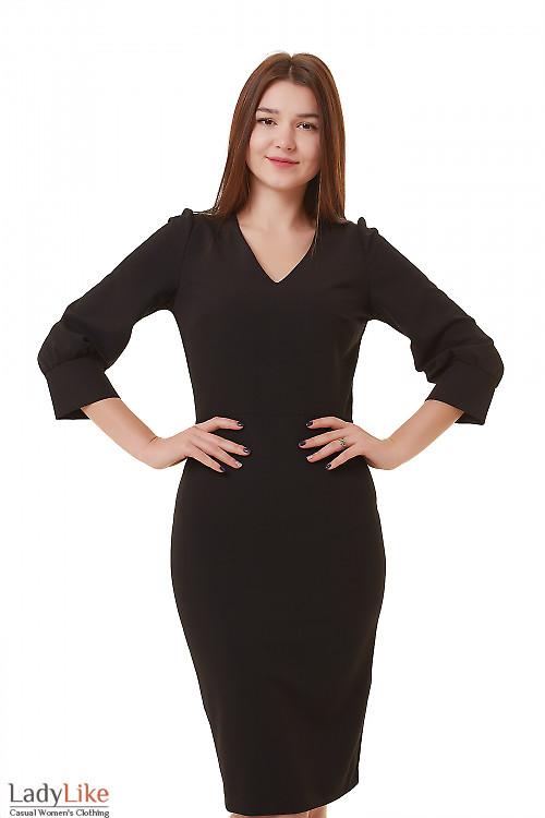 Платье черное с широкой манжетой Деловая женская одежда фото