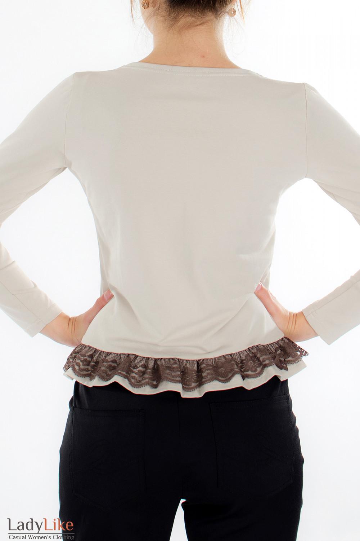 Блузка бежевая с кружевом вид сзади Деловая женская одежда