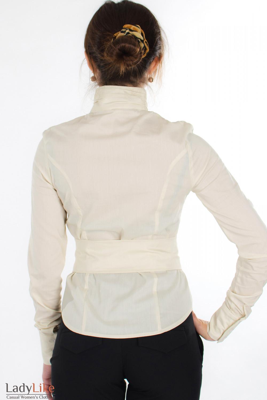 Блузка молочная с поясом вид сзади Деловая женская одежда