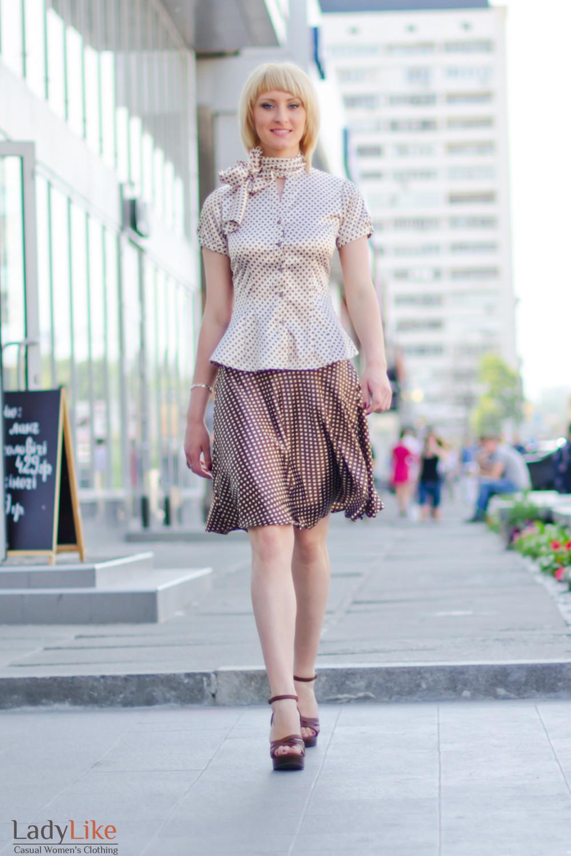 Блузка в горошек с коротким рукавом Деловая женская одежда