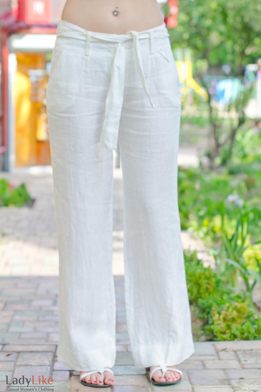 Фото брюки белые из льна вид спереди