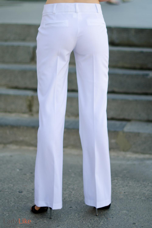 Брюки белые летние вид сзади Деловая женская одежда