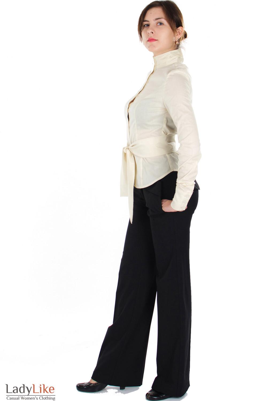 Брюки черные с поясом вид сбокуДеловая женская одежда