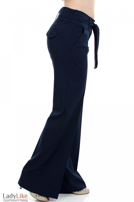 Брюки с поясом синие вид сбоку Деловая женская одежда