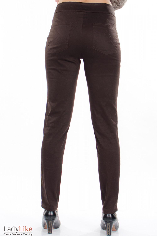 Брюки зауженные коричневые вид сзади Деловая женская одежда