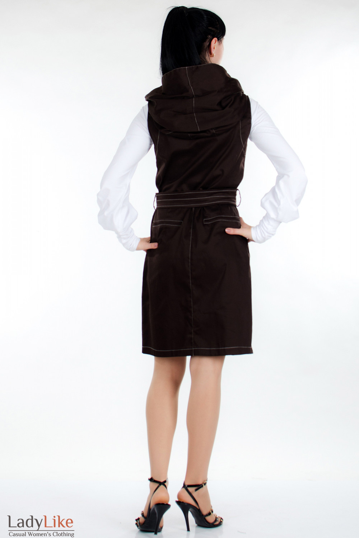 Плащ  коричневый с капюшоном вид сзади Деловая женская одежда