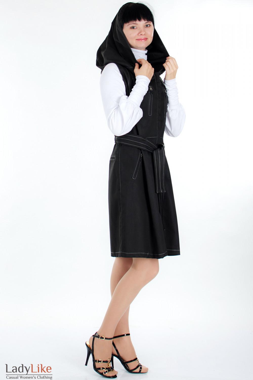 Плащ черный с капюшоном вид сбоку Деловая женская одежда