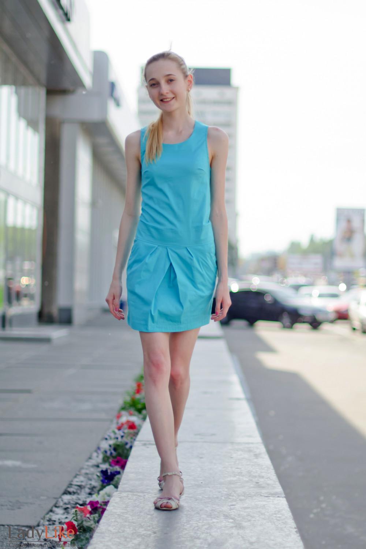 Платье голубое с карманами Деловая женская одежда