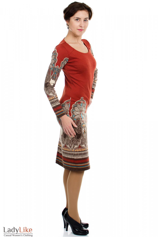Платье с узором рыжее вид сбоку Деловая женская одежда