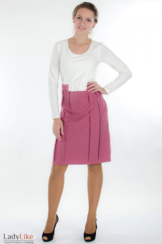 Платье трикотажное молочно-розовое вид спереди Деловая женская одежда