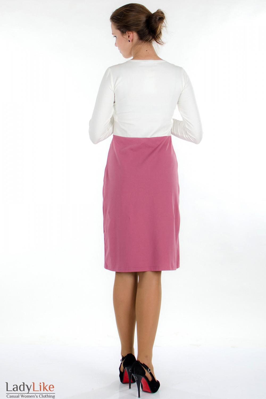 Платье трикотажное молочно-розовое вид сзади Деловая женская одежда