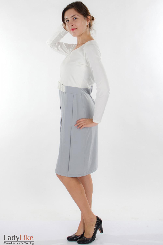 Платье трикотажное молочно-серое вид сбоку Деловая женская одежда
