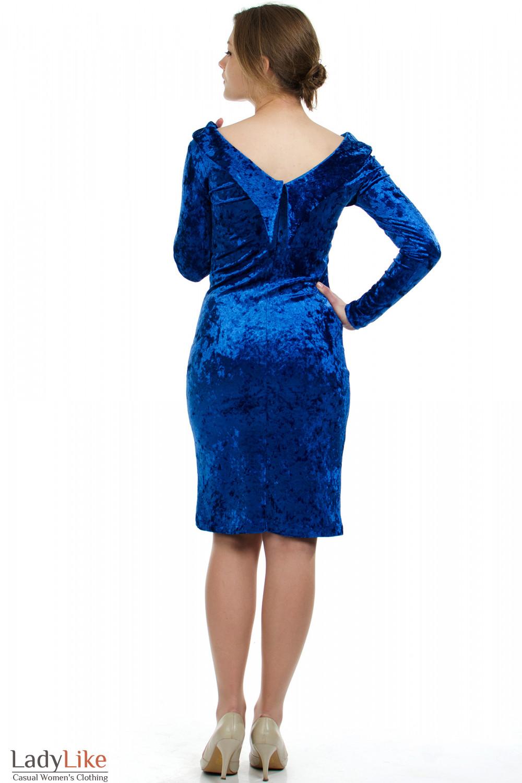 Вечернее синее платье.  Облегающий крой вигодно подчеркивает фигуру.