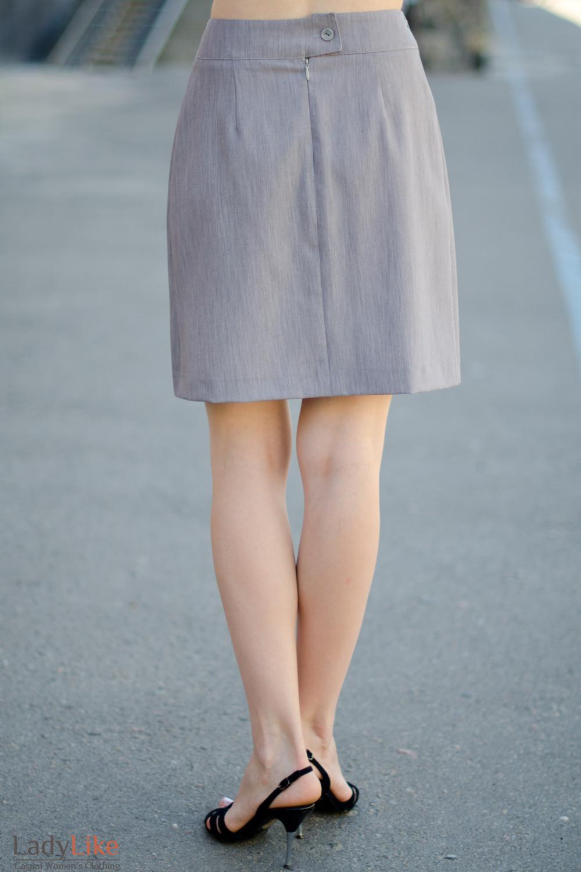 Юбка серая со складками вид сзади Деловая женская одежда