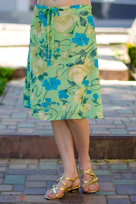 Юбка зеленая из тонкого шифона вид спереди Деловая женская одежда