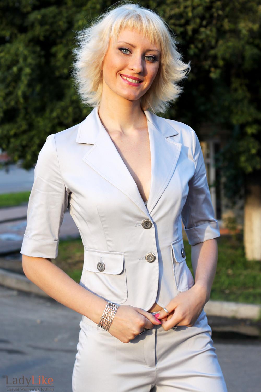 Летний серый деловая женская одежда