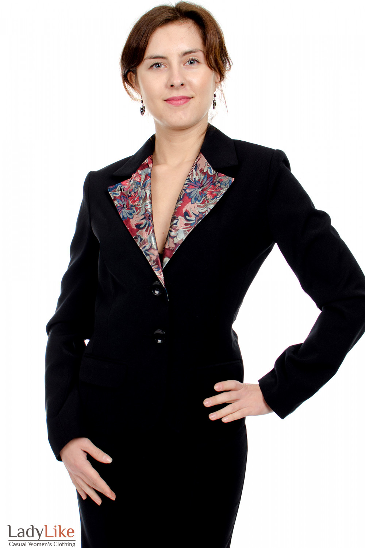 Жакет с цветным воротником вид спереди Деловая женская одежда