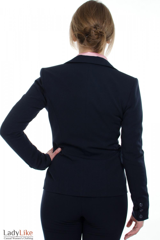 Жакет синий с одной пуговицей вид сзади Деловая женская одежда