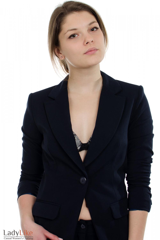 Жакет синий с одной пуговицей вид спереди  Деловая женская одежда