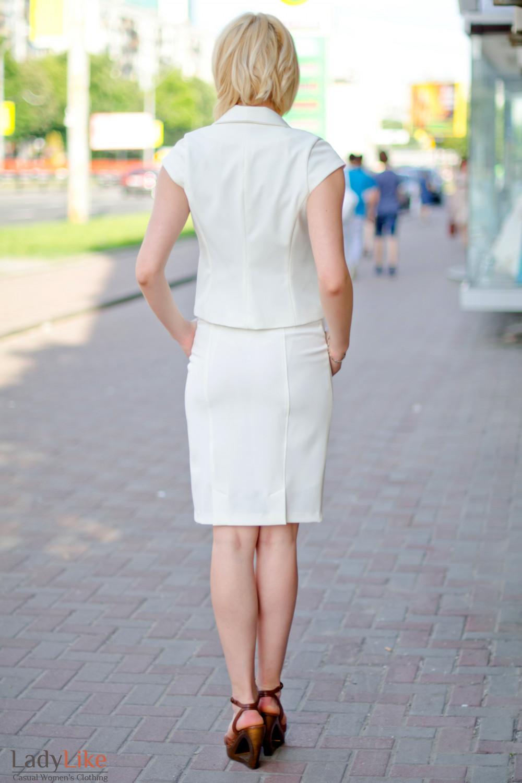 Жилет с воротом молочный Деловая женская одежда
