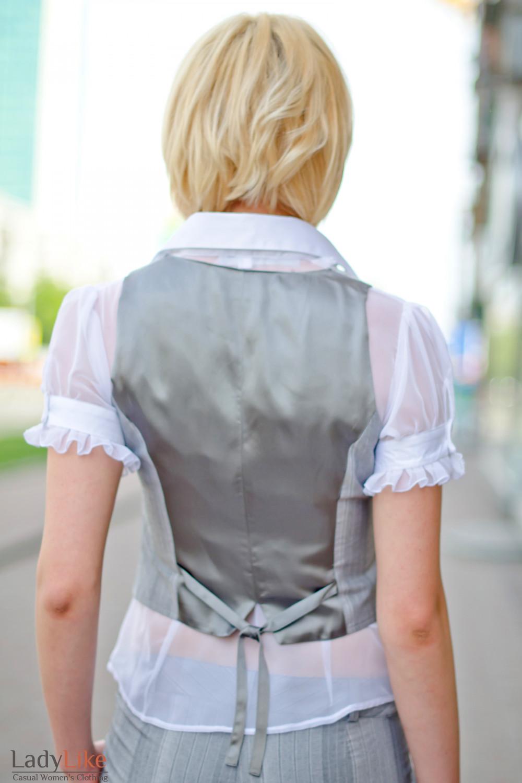 Жилет серый в полоску Деловая женская одежда