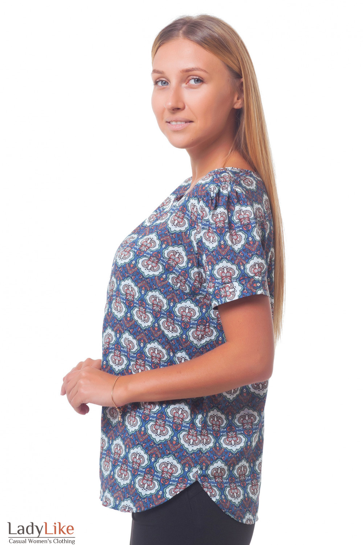 Купить голубую блузку в разноцветный узор Деловая женская одежда