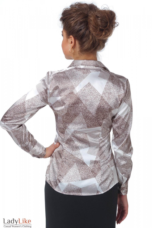 Фото Блузка коричневая геометрия вид сзади Деловая женская одежда