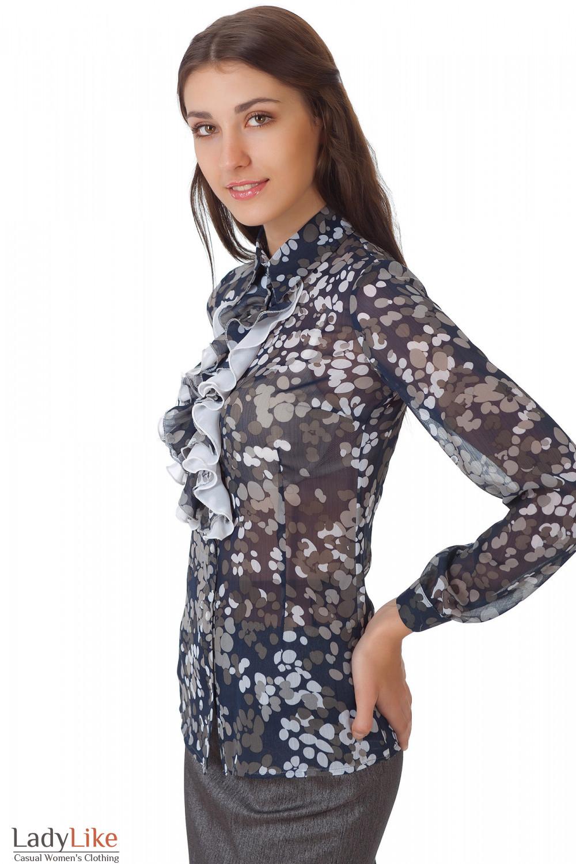 Фото Блузка темно-синяя с жабо в серые кружочки вид сбоку Деловая женская одежда