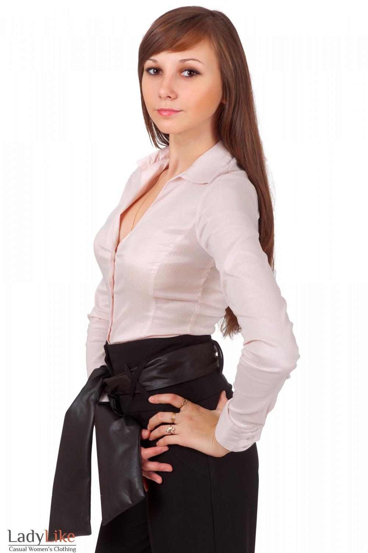 Фото Блузка классическая в мелкую полоску Деловая женская одежда