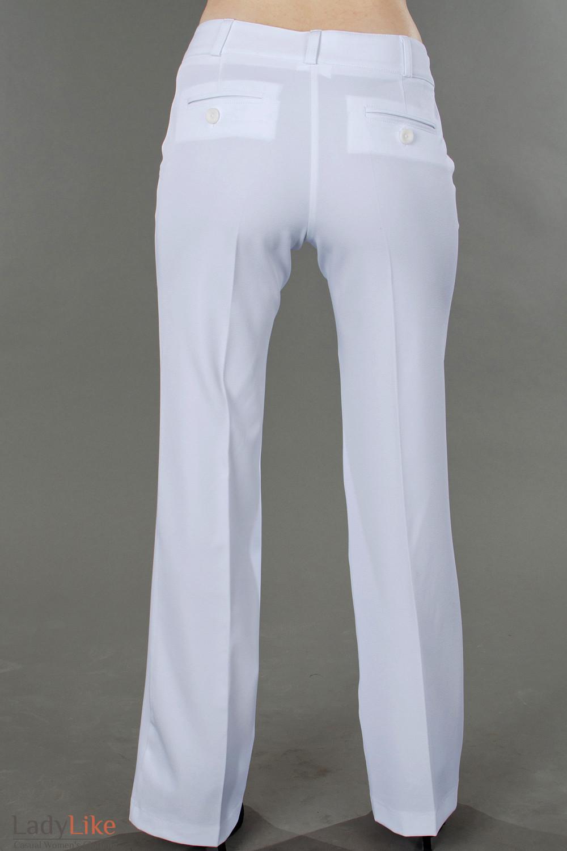Фото Брюки белоснежные летние вид сзади Деловая женская одежда