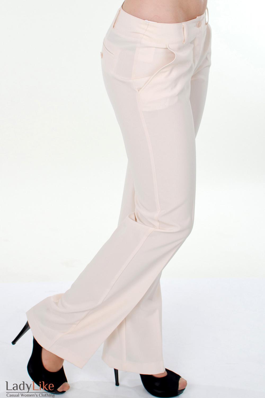 Фото Брюки кремовые классические вид сбоку Деловая женская одежда