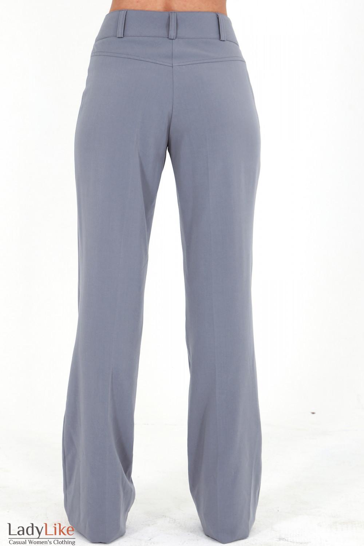 Фото Брюки светло-серые вид сзади Деловая женская одежда