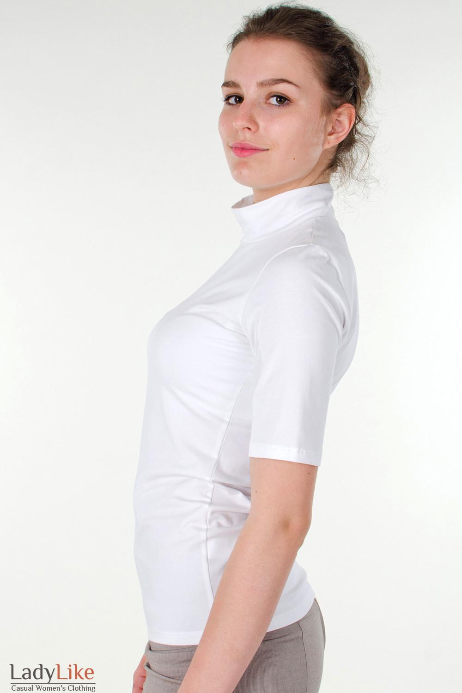 Фото Гольф белый с коротким рукавом вид слева Деловая женская одежда