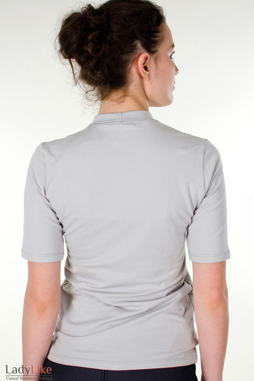 Фото Гольф светло-серый с коротким рукавом вид сзади Деловая женская одежда