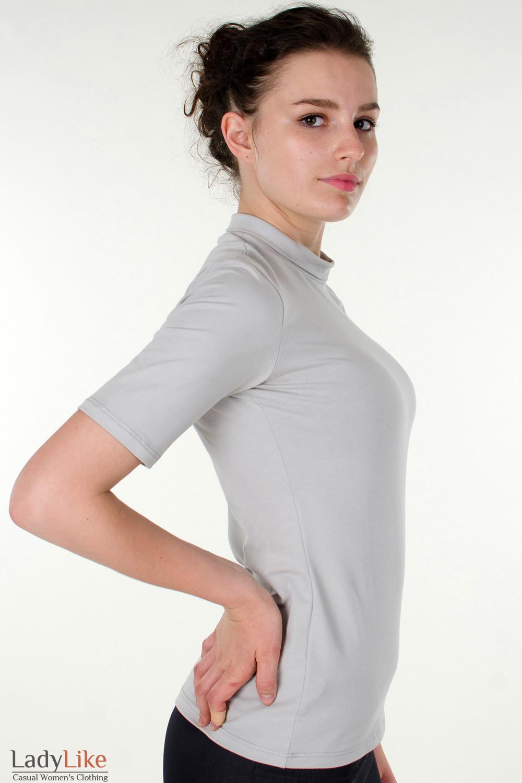Фото Гольф светло-серый с коротким рукавом вид справа Деловая женская одежда