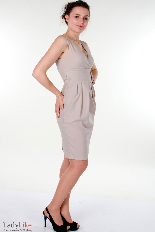 Фото Платье бежевое с поясом вид справа Деловая женская одежда