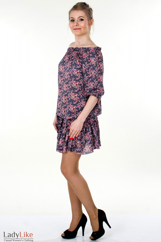 Фото Платье серое с открытыми плечами вид сбоку Деловая женская одежда