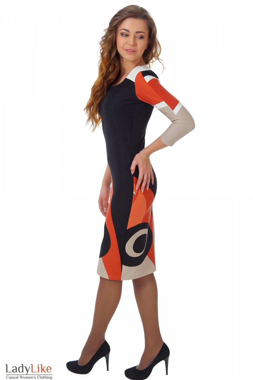 Фото Платье трикотажное с рыжим рисунком вид сбоку Деловая женская одежда