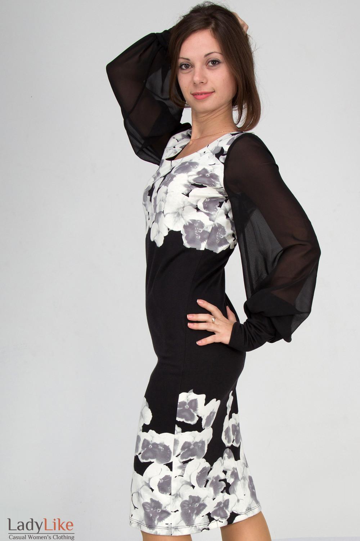 Фото Платье трикотажное в цветы. Вид сбоку Деловая женская одежда