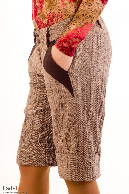 Фото Шорты коричневые из  твида. Вид сбоку Деловая женская одежда