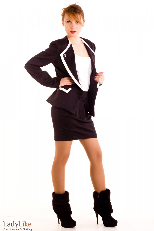 Фото Юбка короткая трикотажная. Вид сбоку Деловая женская одежда