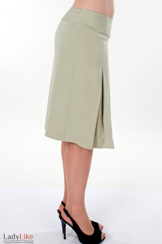 Фото Юбка оливковая со складками вид сбоку Деловая женская одежда