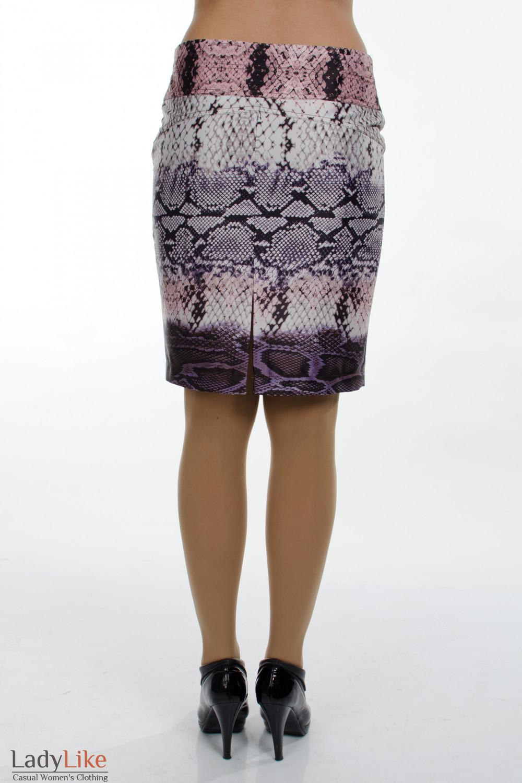 Фото Юбка питон. Вид сзади. Деловая женская одежда