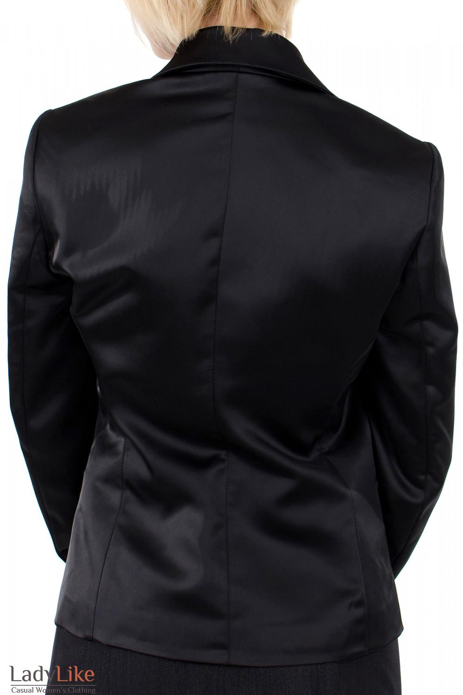 Фото Жакет атласный черный. Вид сзади. Деловая женская одежда