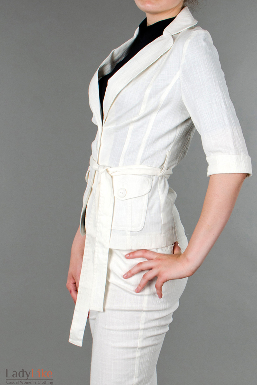 Фото Жакет льняной молочный с коротким рукавом вид сбоку Деловая женская одежда
