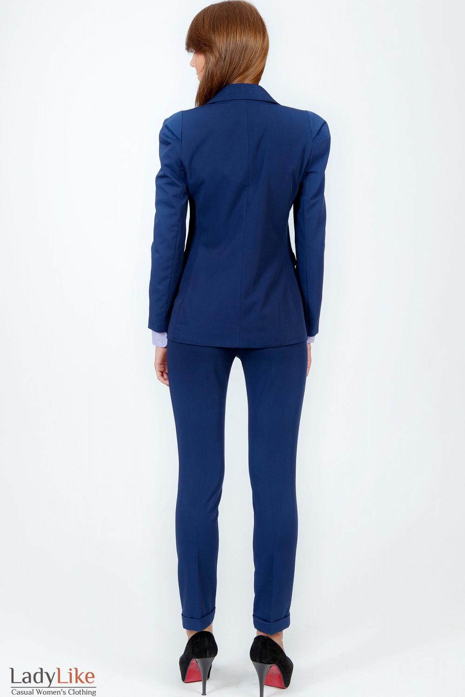 Фото Жакет синий удлиненный вид сзади Деловая женская одежда